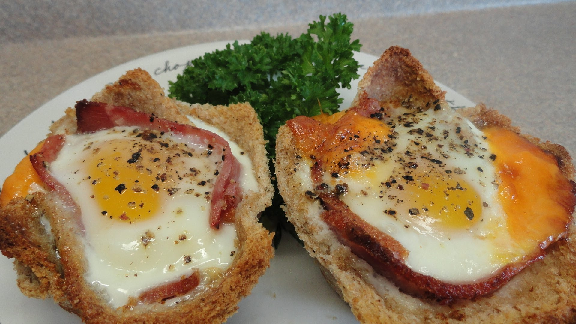 Ham-and-Egg-Bread-Cups